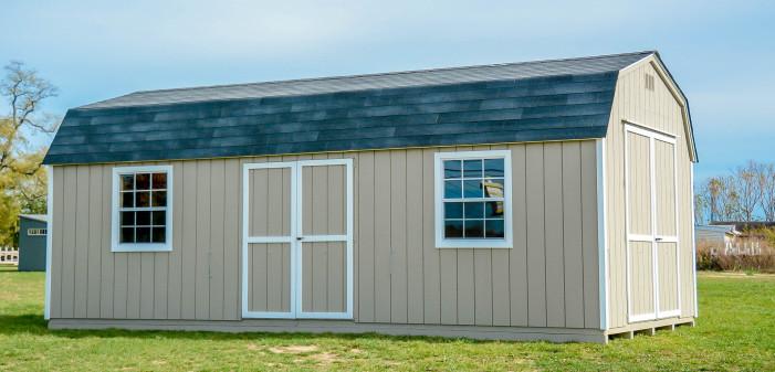 Colonail barn